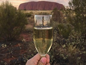 Uluru Sunset Tour with Wine