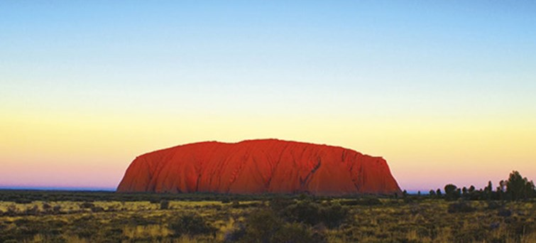 Ayers Rock to Kings Canyon sightseeing tour