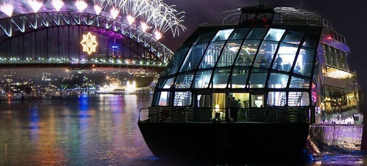 NYE Sydney Harbour Bridge and Clearview Glass Boat