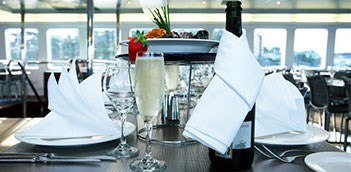 FREEGIFT Sydney Harbour Luxury Cruise With Mezze Platter Champagne WCU04