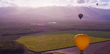 AUCAI Hot Air Balloon Cairns & Return transfer WCU1